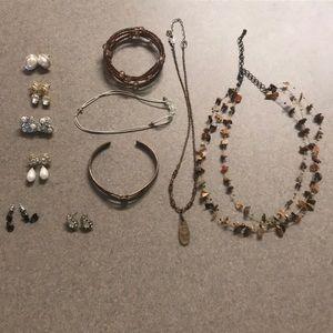 17 Pc Jewelry Lot - Bracelets, Necklaces, Earrings
